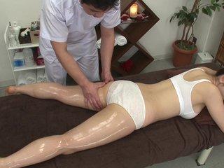 fettige boob massage